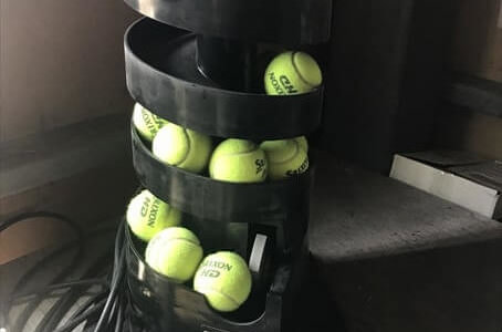 テニスの自動球出し機「トスマシン・ツイスト」のレビュー